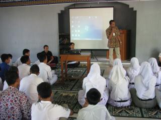 Pak Adrian Sani di SMK Namira