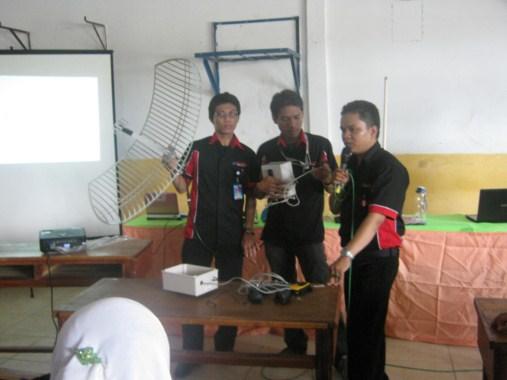 pemasangan radio